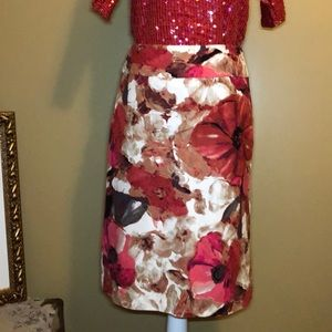 East 5th size 6 flower pencil skirt